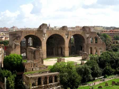Basilica lui Maxentiu si a lui Constantin - Roma