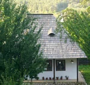Casa natala a Sfantului Ioan Iacob de la Neamt - Crainiceni
