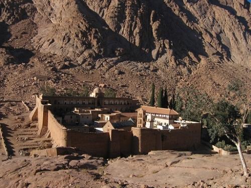 Biserica Sinaiului - cea mai mica biserica independenta din lumea ortodoxa