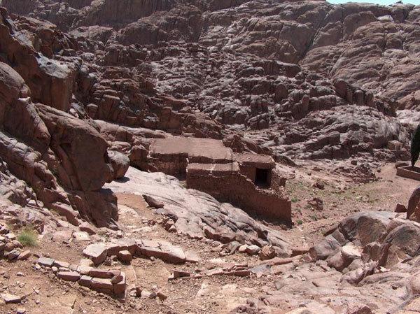 Pestera Sfantului Ilie - Muntele Horeb