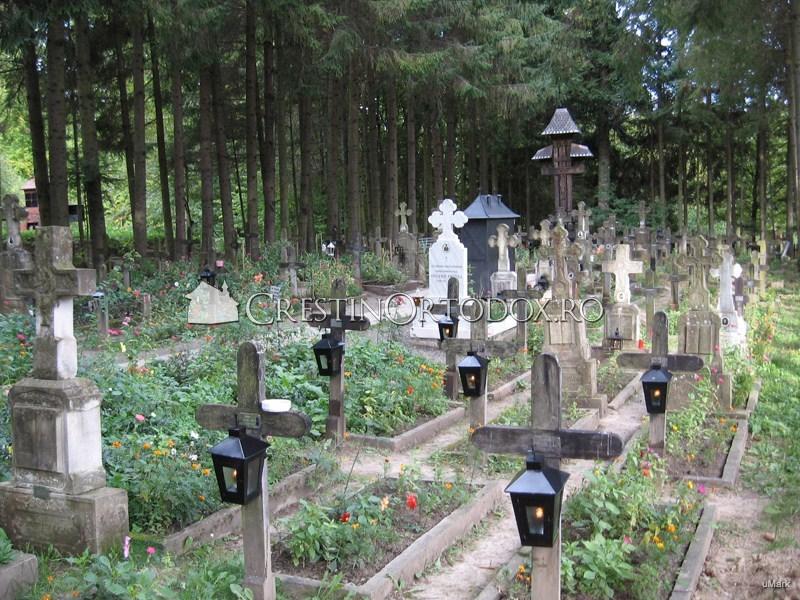Cimitirul Manastirii Sihastria