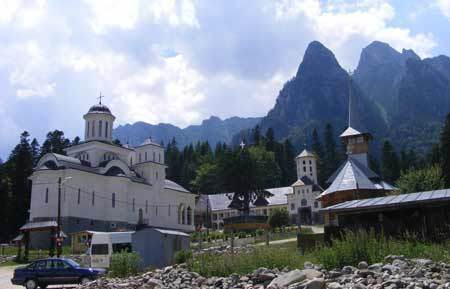 Pelerinaj la Manastirea Caraiman si Ghighiu