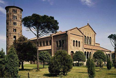 Basilica Sfantul Apolinarie - Classe