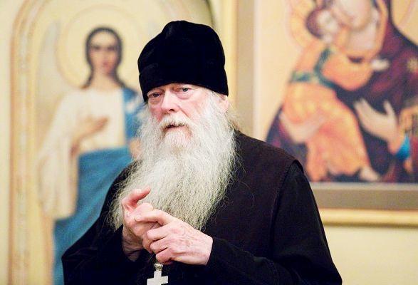 Ce credeti despre faptul ca monahii fac studii teologice?