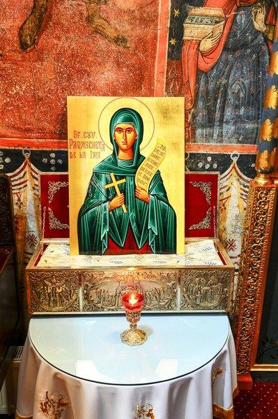 Procesiune la Patriarhie cu vesmantul Sfintei Parascheva