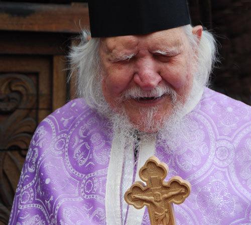 Preotul, urmas al Apostolilor si persoana harismatica