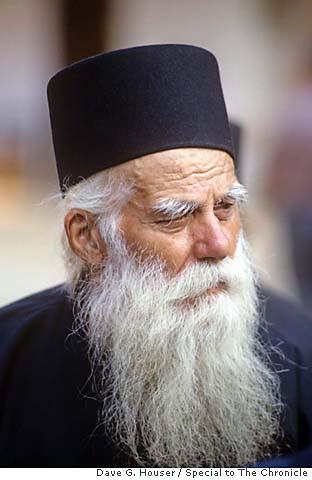 Instantele judecatoresti pentru monahi