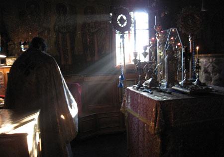 Schitul Sihla - Sfantul Altar si Proscomidia