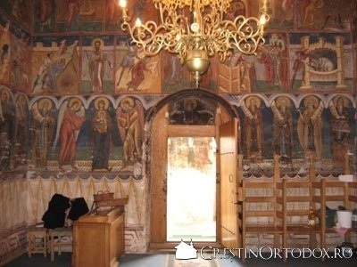 Manastirea Humor - Pronaosul (privire spre Pridvor)